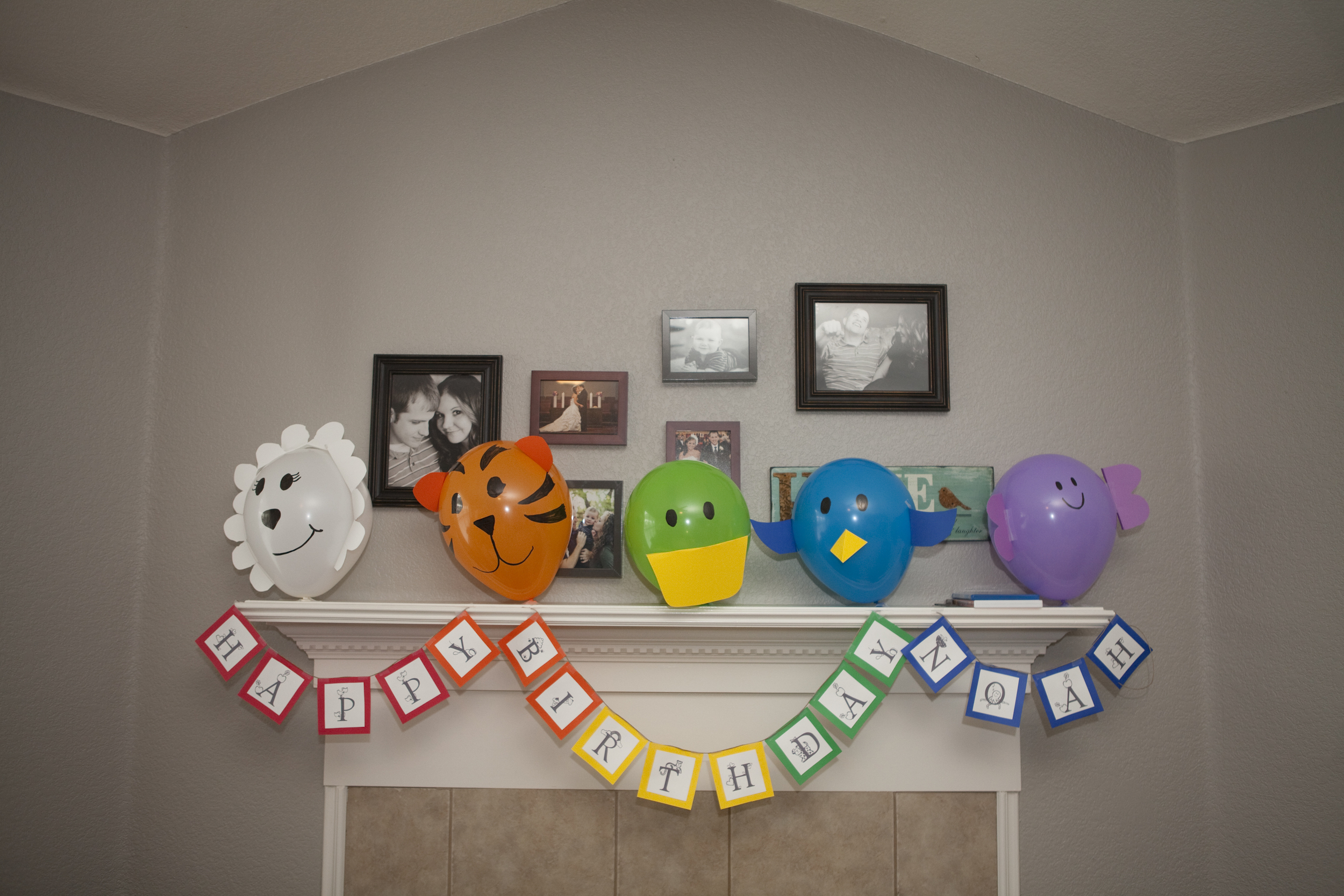 Main sign, animal balloons