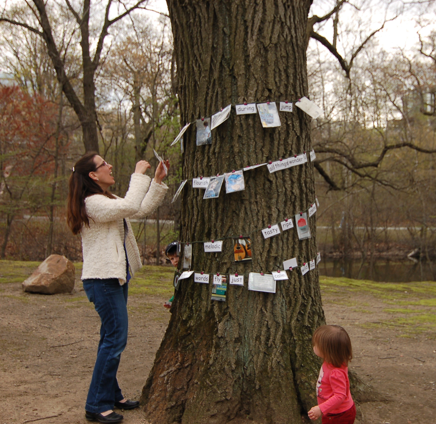 Family+playing+at+the+communiTree.jpg