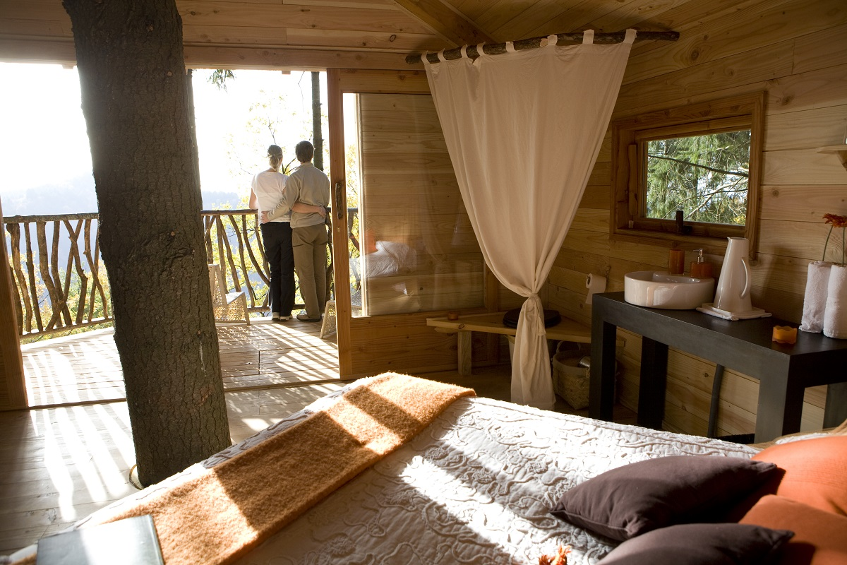Clarity Hospitality Solutions_10 hotels you need to experience_Cabanes als arbres 4.jpg