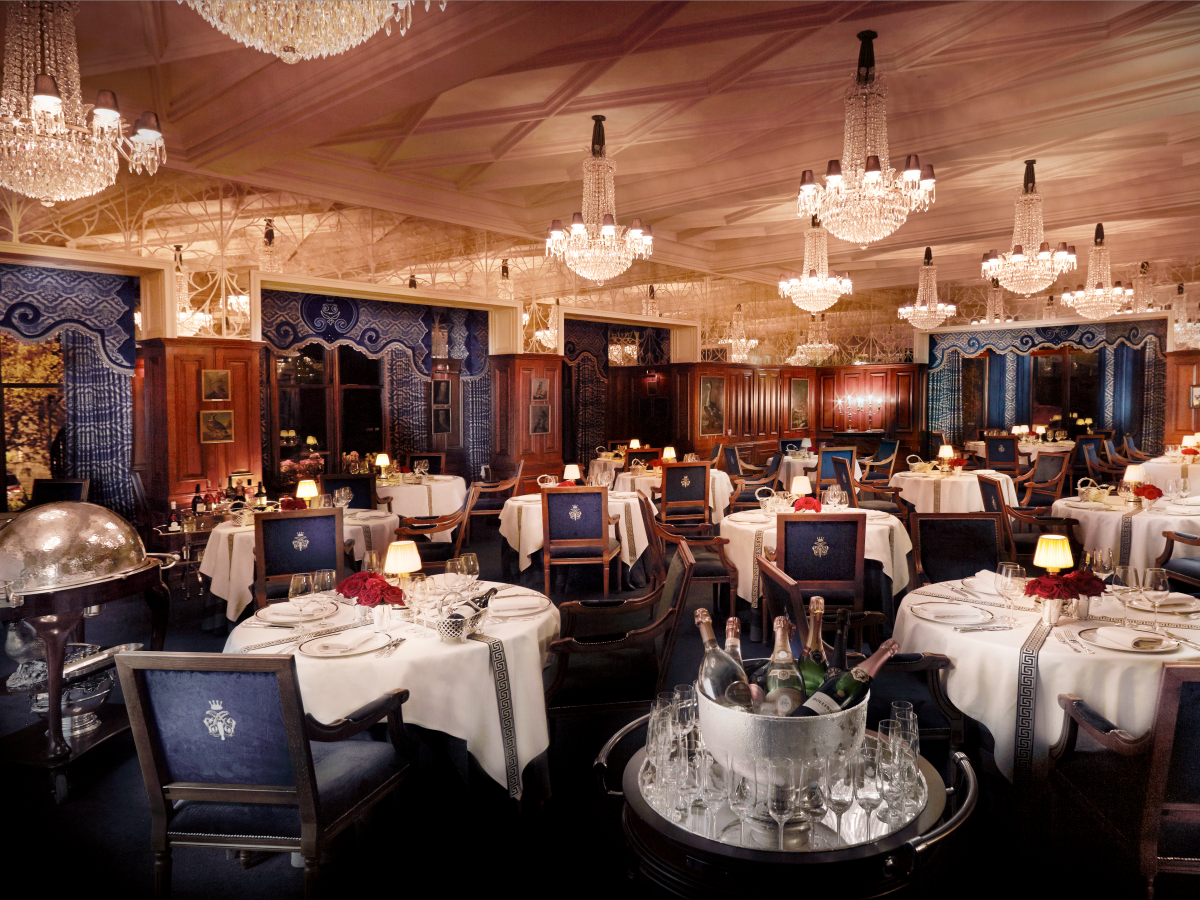 The hotel later named the George V Dining Room in his honor. Built by the Guinness family, the dining room is filled with Waterford Crystal chandeliers, a resident pianist, and exceptional dishes like slow-roasted rib of beef and pear sorbets from Chef Phillipe Farineau.