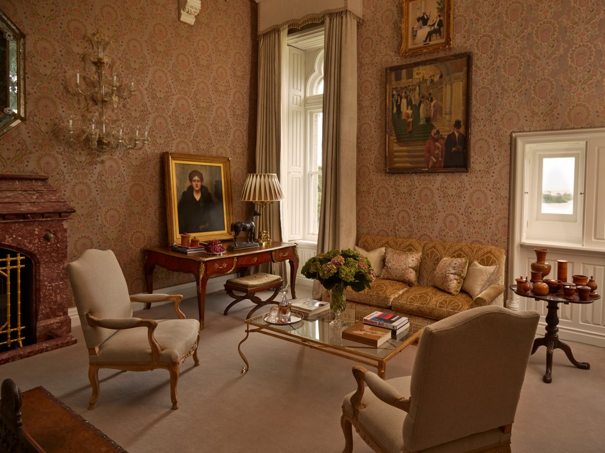 The staterooms are located in the oldest part of the castle, which dates back to the 13th and 17th centuries. Most of the rooms come with original fireplaces, antique furniture, and pedestal claw baths, and all of them have high ceilings and views of Lough Corrib.