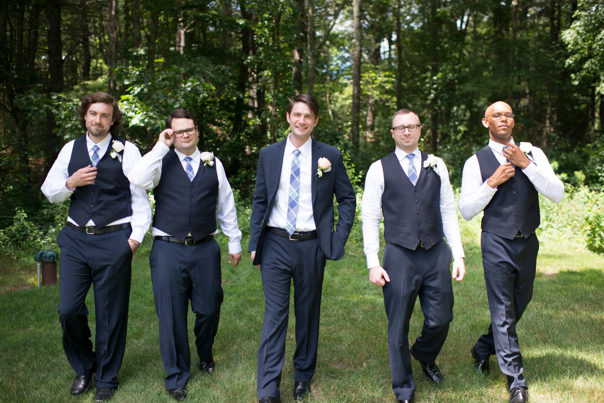 The dapper groomsfolks!