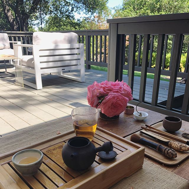 """Outdoor Tea 〰️ Such a luxury to have """"perfect"""" weather and outdoor space to enjoy Tea every day. I am so grateful 🙏🏼"""