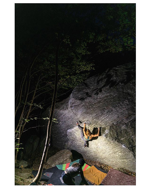 night seshes in smuggs.... quick trip to vt did not disappoint. So sweet to see some projecting and sending go down!! Went to @outdoorgearexchange about 5 times in one week. Their consignment climbing shoe selection is just so good!!! #smugglersnotch #everyoneswilderness #climbing #bouldering #organicclimbing #lasportivana