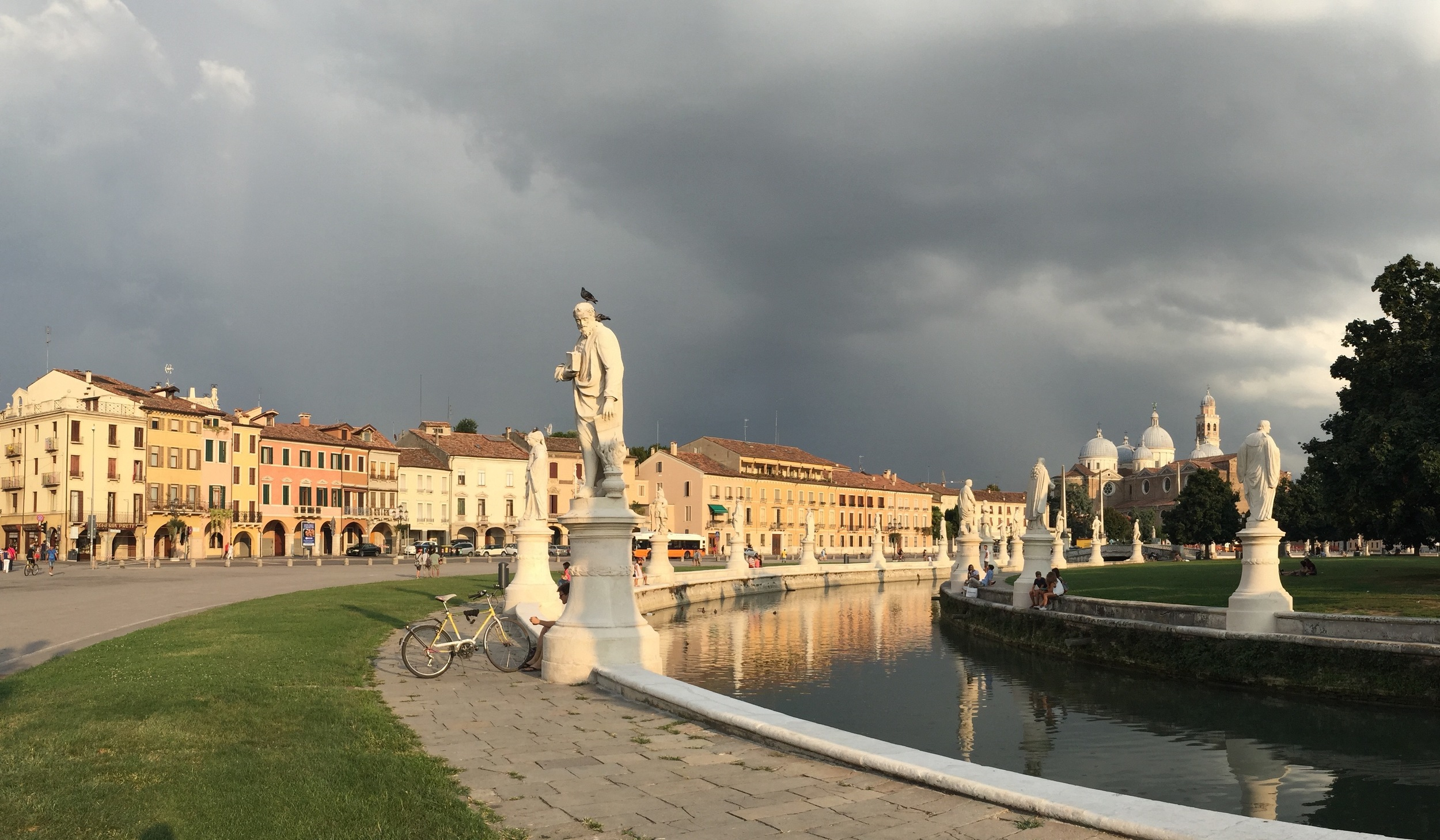 """Prato Delle Valle, one of the largest """"squares"""" (it's an oval) in Europe"""