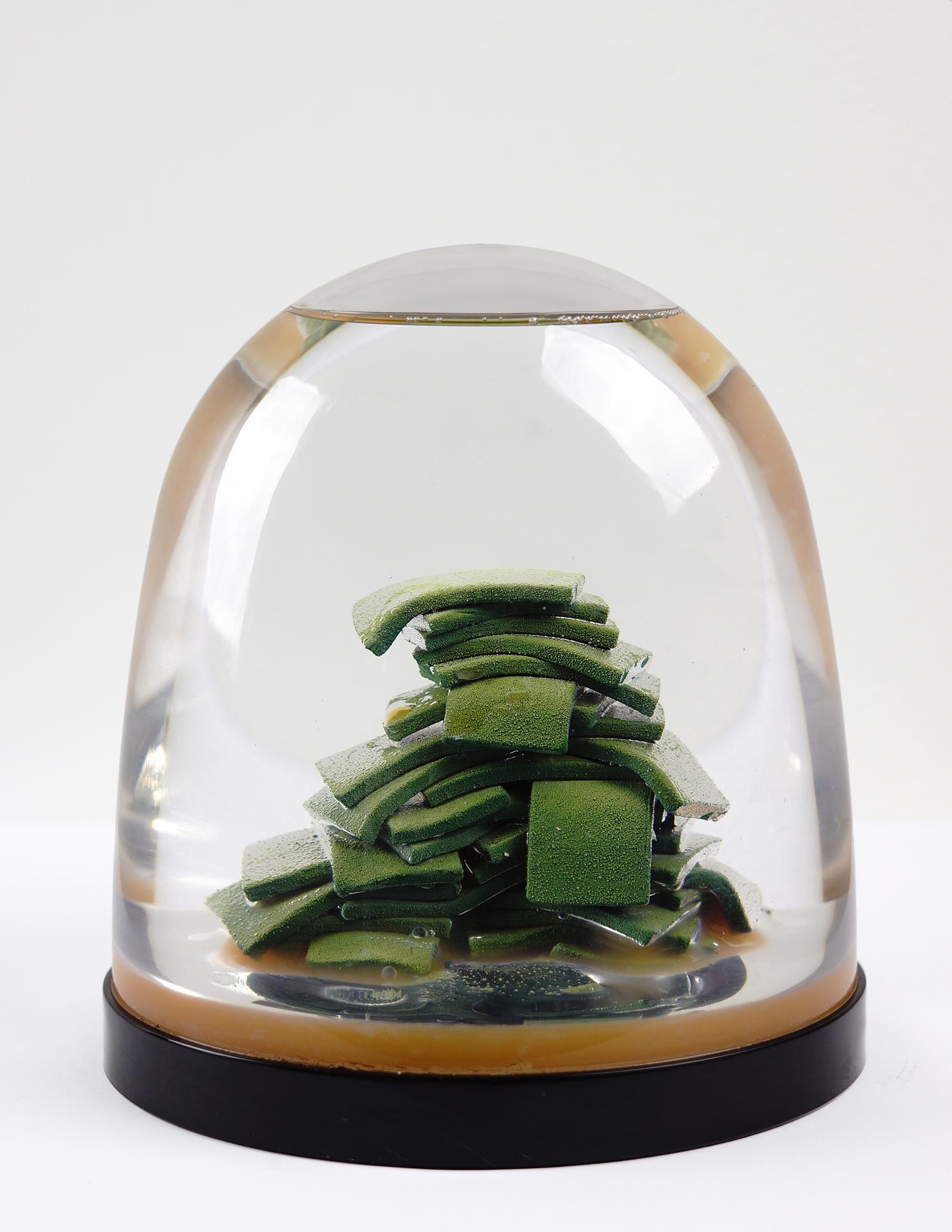 """""""Pile-O-Clams Globe"""""""