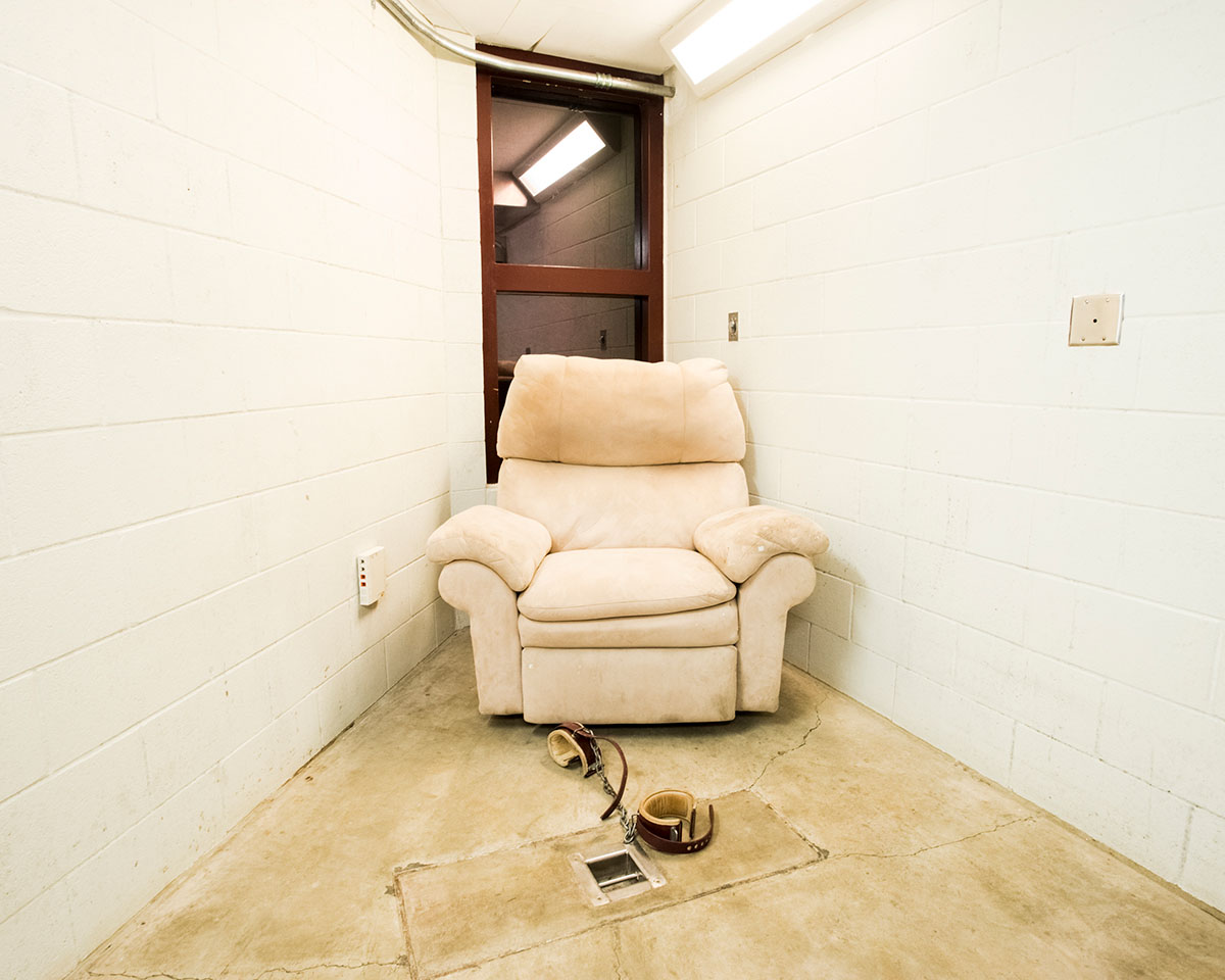 Compliant Detainee © Debi Cornwall