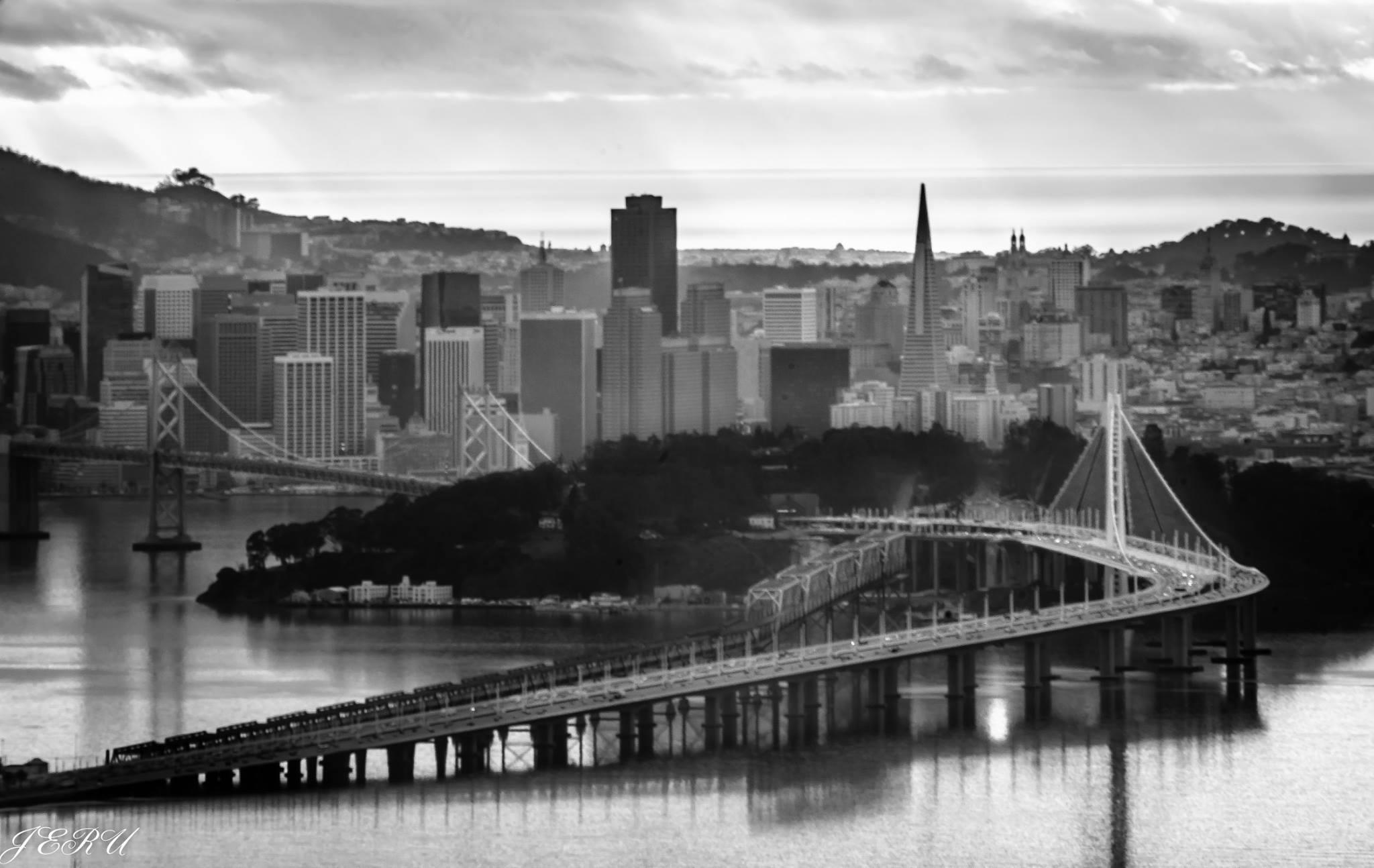 The Emperor Norton Bridge. Photograph  ©     Jeru Banez.