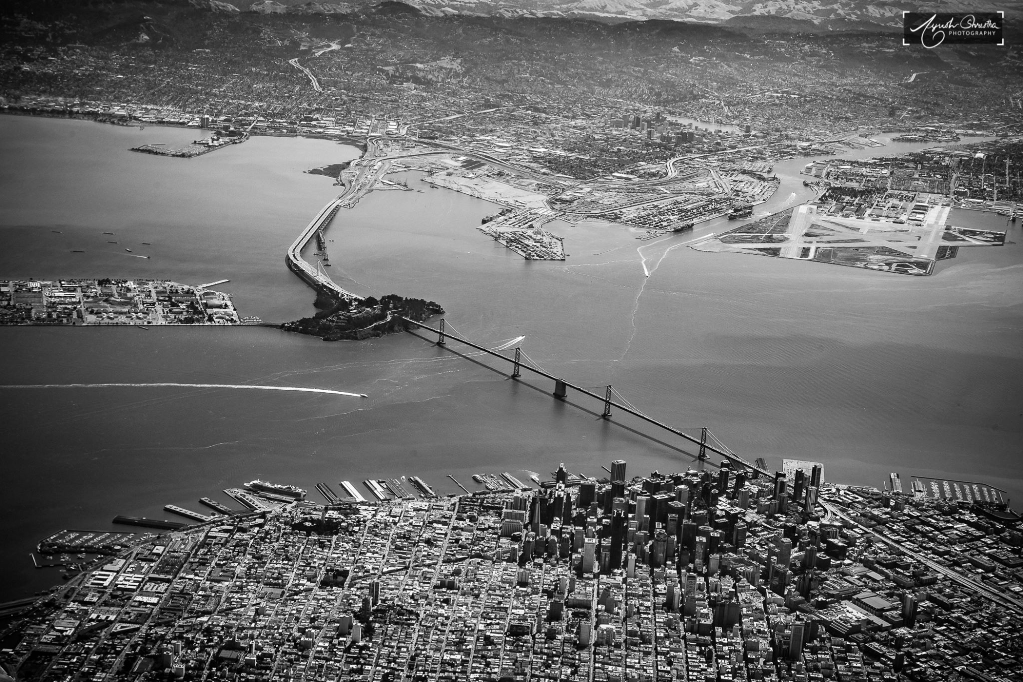San Francisco-Oakland Bay Bridge.  Photograph © 2016 Ayush Shrestha