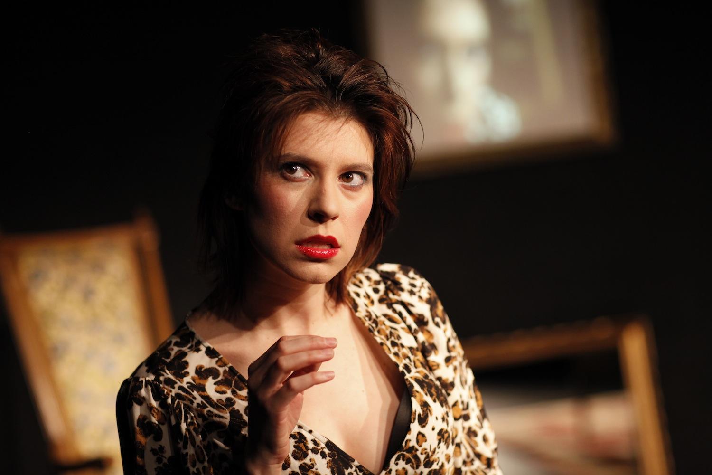 Tajna Tanović as The Woman