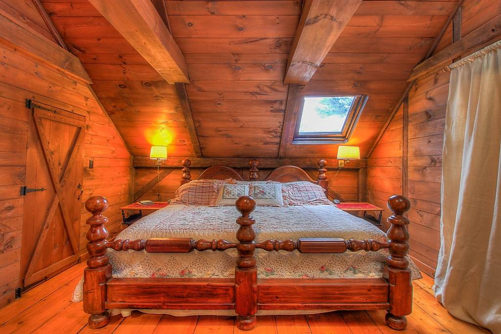 Bedroom King 2.jpg