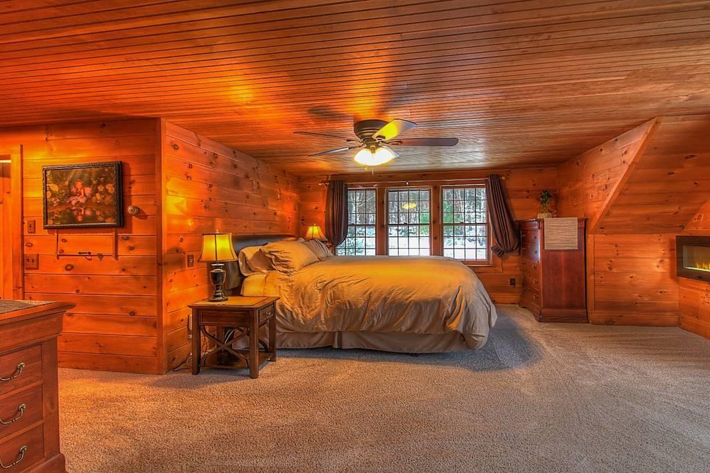 Bedroom King w_ ensuite.jpg