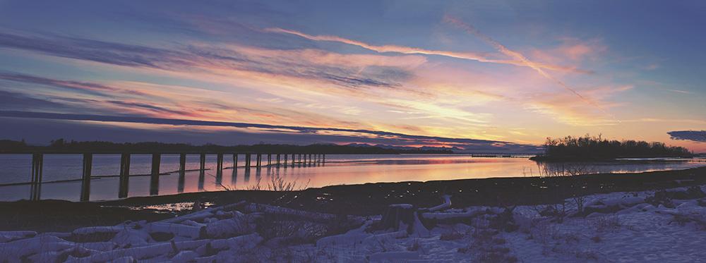 Fraser River Sunset, Richmond, Vancouver, British Columbia, Canada.jpg
