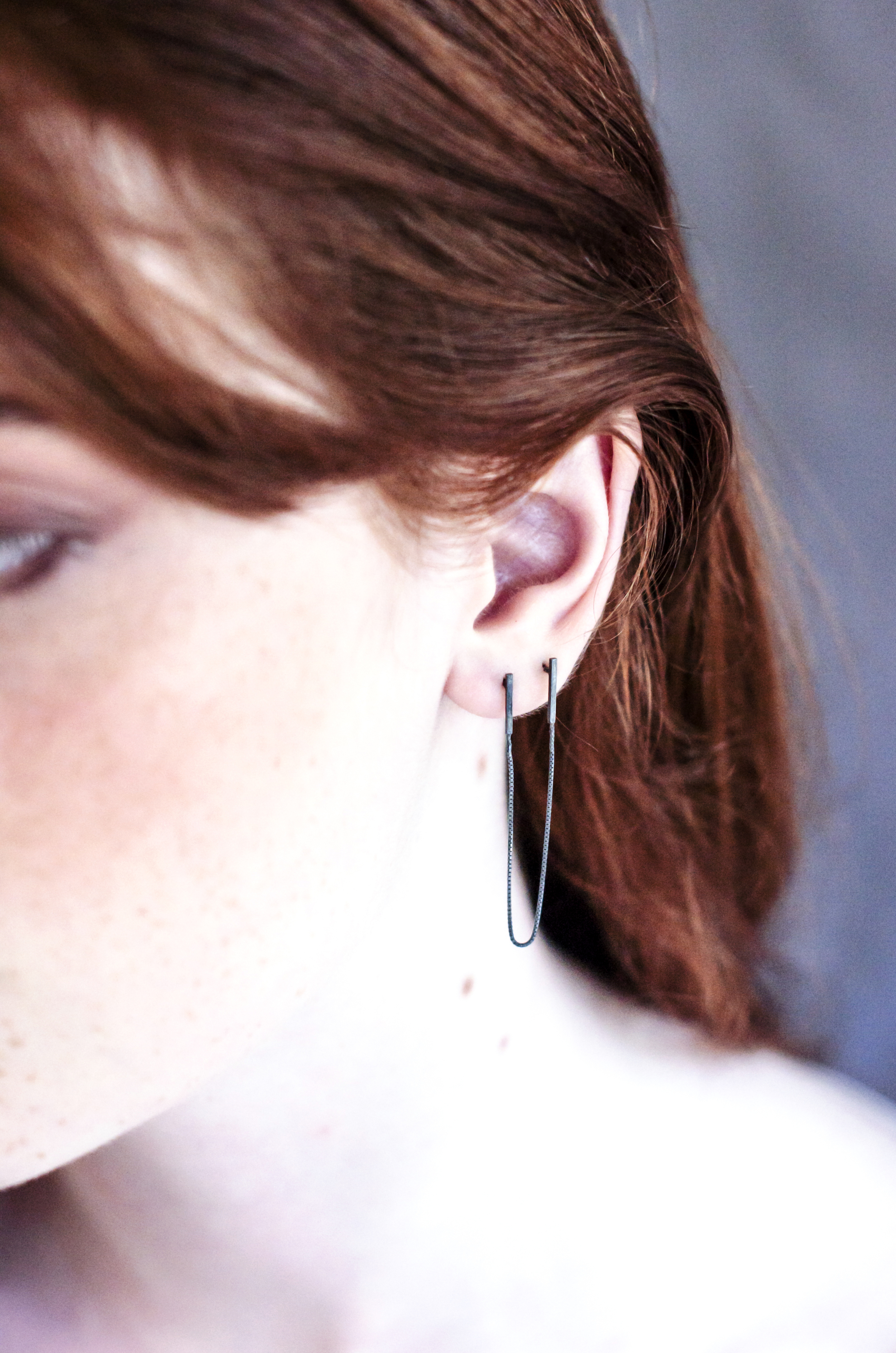 CURVED LINE EARRINGS