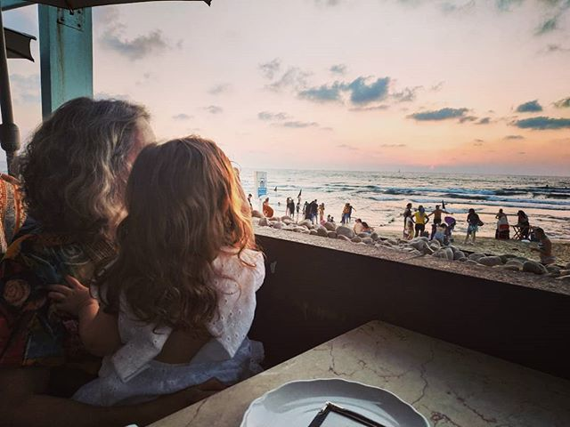 Birthday x 3! Such a great time at @mantaraytelaviv! Amazing sunset and family time! Love you @mszamalala & @sygalleceramics! ✨💖🌅💖✨ #birthday #family #familytime #sisters #sunset #sunsetatsea #atthesea #telaviv #love #TelAvivfood #foodie #seafood #sealove