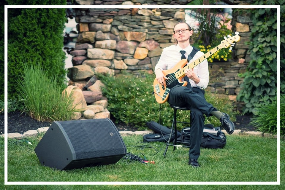 Solo Bass - For your venue