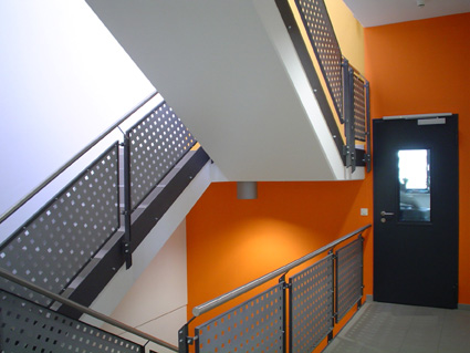 05-Treppenhaus-TechVerwaltg.jpg