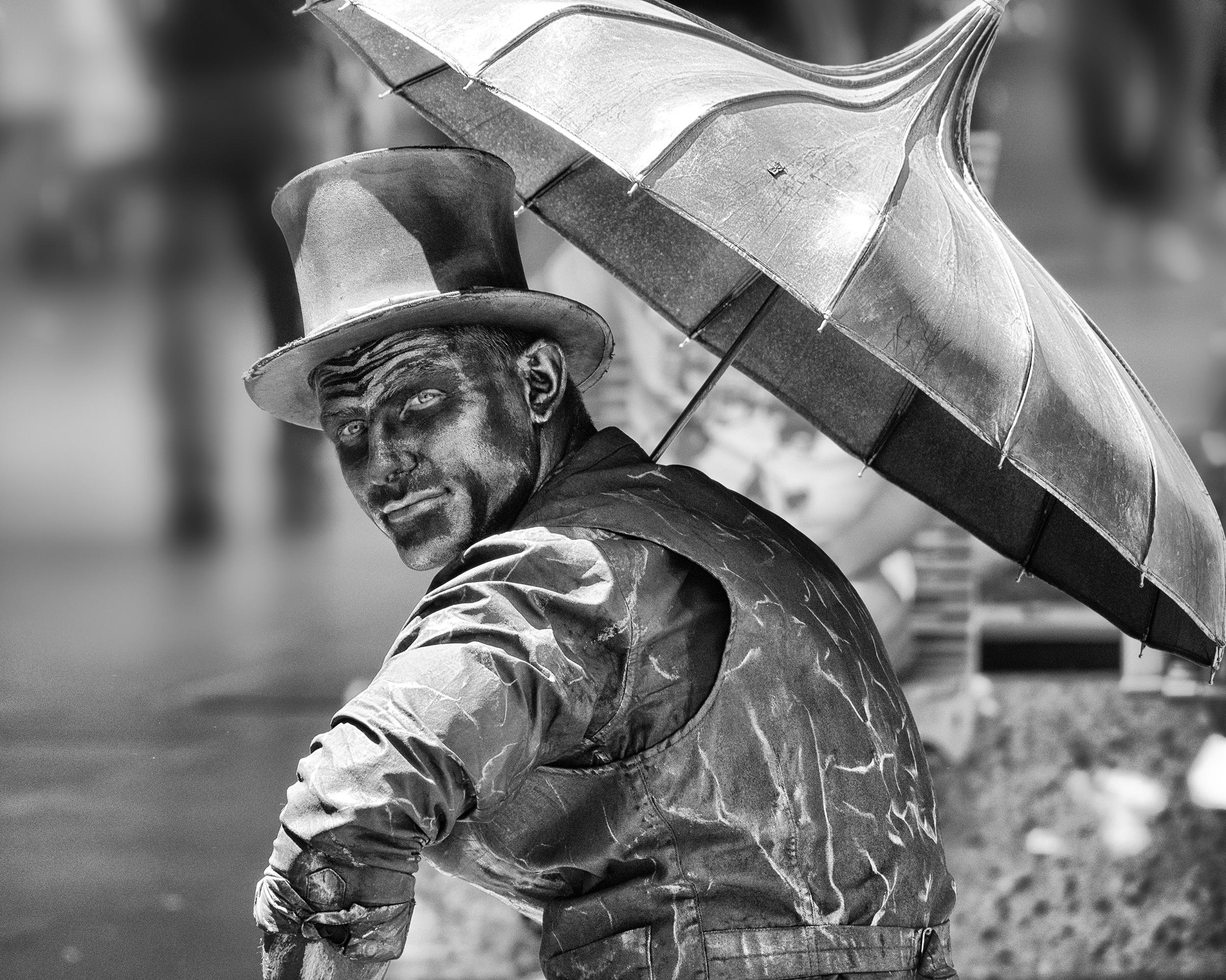 Street Silver Man-THarding (1).jpg