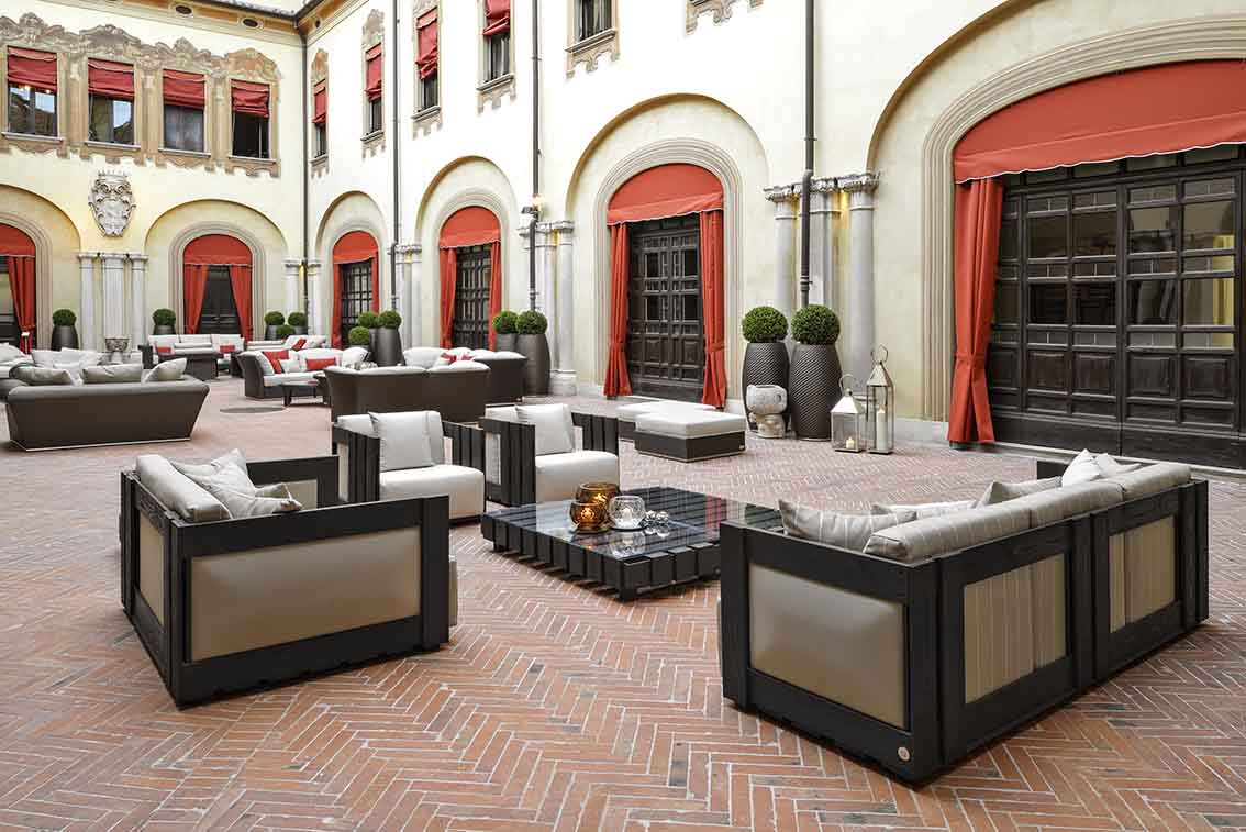 Palazzo Orsi Mangelli, courtyard