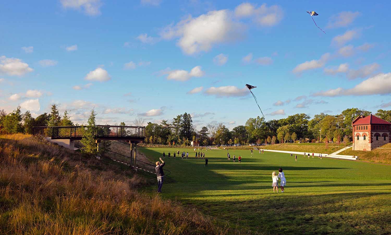 Fisher-Hill-Reservoir-Park_adaptive-reuse-kite-flying-hill_Klopfer-Martin.jpg