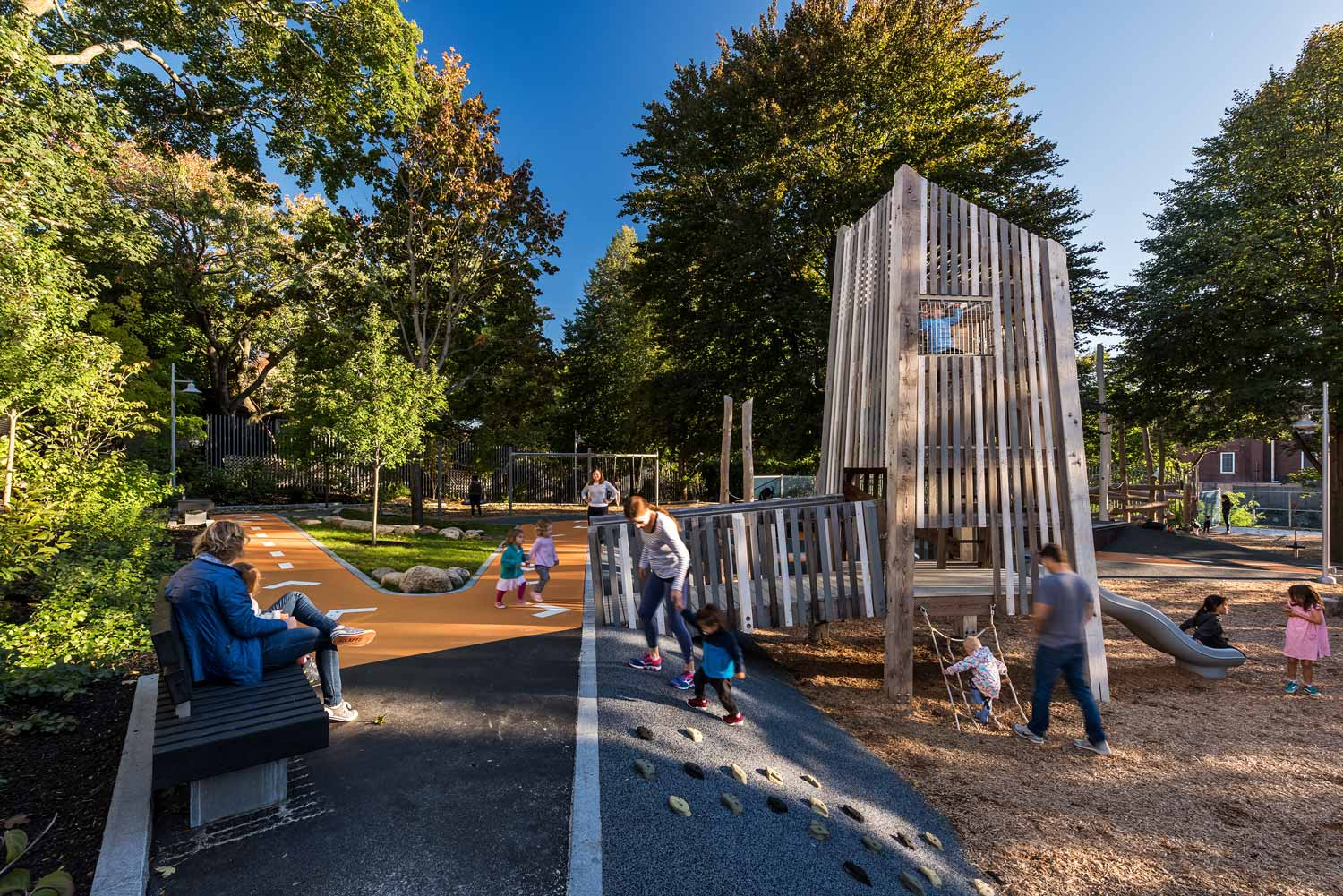 Hoyt-Sullivan-Park_adventure-path_wood-play-tower_landscape-architecture_Klopfer-Martin.jpg