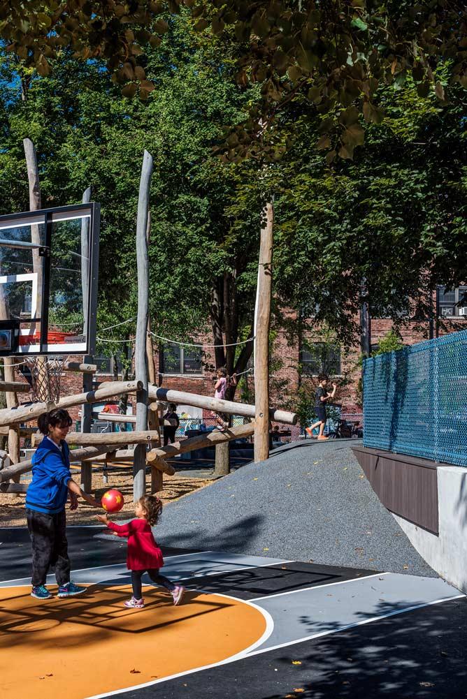 Hoyt-Sullivan-Park_Basketball-landforms-wood-climber_Klopfer-Martin.jpg