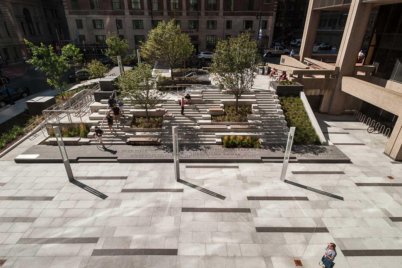 Roemer-Plaza_Suffolk-University_connect-urban-campus-plaza-amphitheater_Klopfer-Martin.jpg