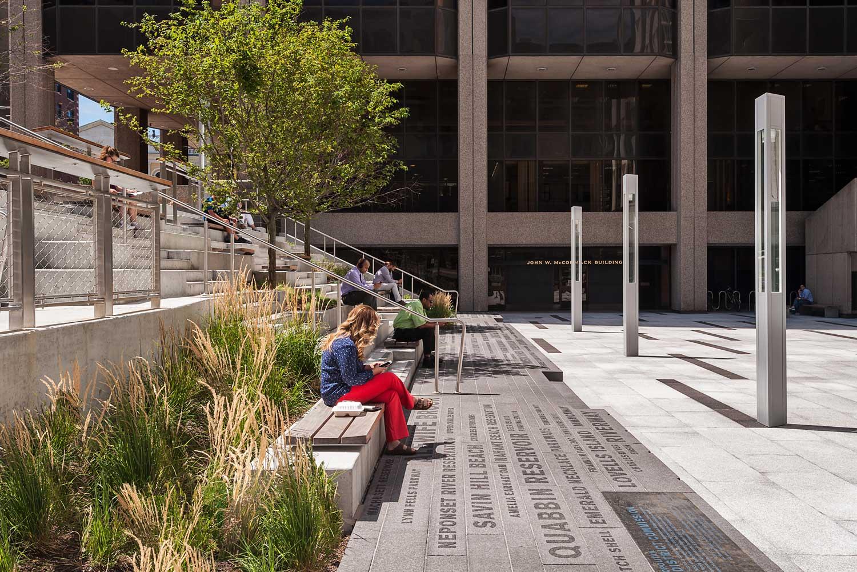 Roemer-Plaza_Suffolk-University_campus-plaza-granite-plinth-concrete-wood-seating_Klopfer-Martin.jpg