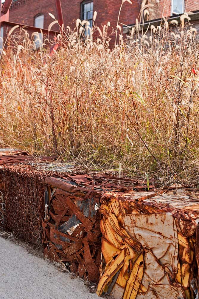 Steel-Yard_recycled-steel-retaining-wall-native-landscape_Klopfer-Martin.jpg