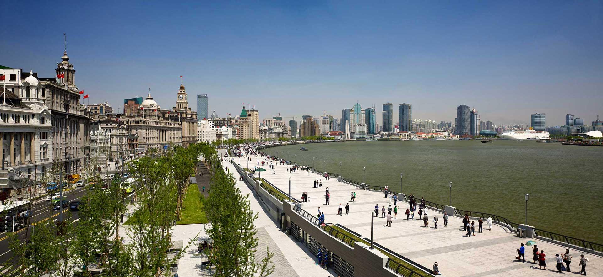 4_Shanghai-Bund_Klopfer-Martin-Design-Group_Landscape-Architecture_urban-green-space_traffic-buffer.jpg