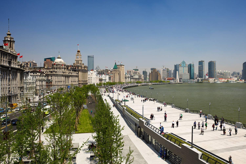 Shanghai-Bund_Klopfer-Martin-Design-Group_Landscape-Architecture_urban-green-space_traffic-buffer.jpg