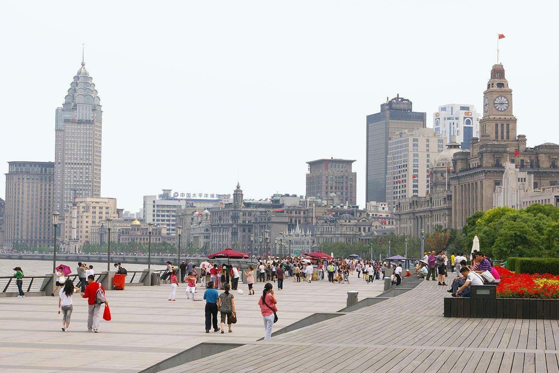 Shanghai-Bund_Klopfer-Martin-Design-Group_World-expo_-waterfront-walkway.jpg