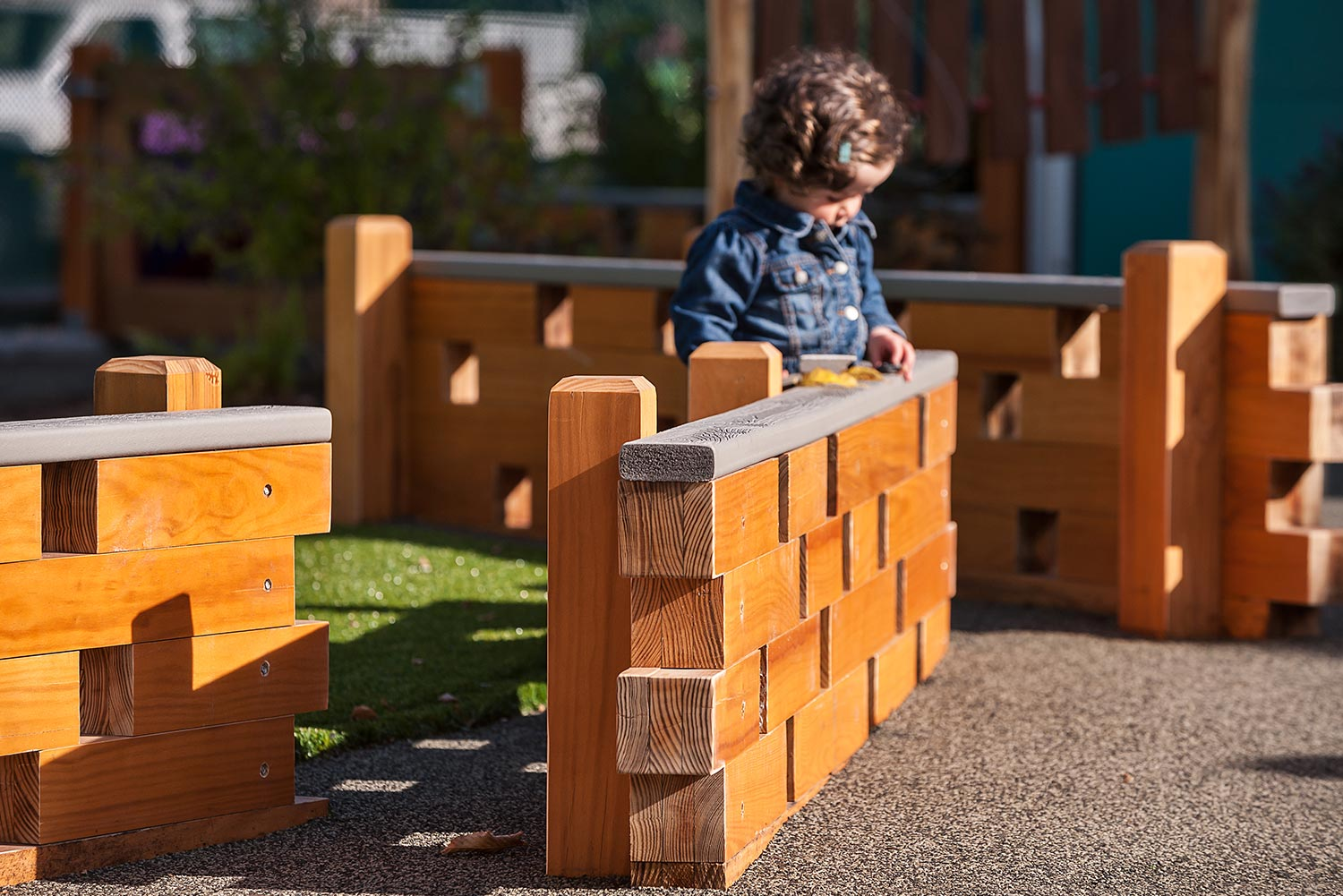 MIT-Childcare-Center_children-wood-fence_landscape-architecture_Klopfer-Martin.jpg