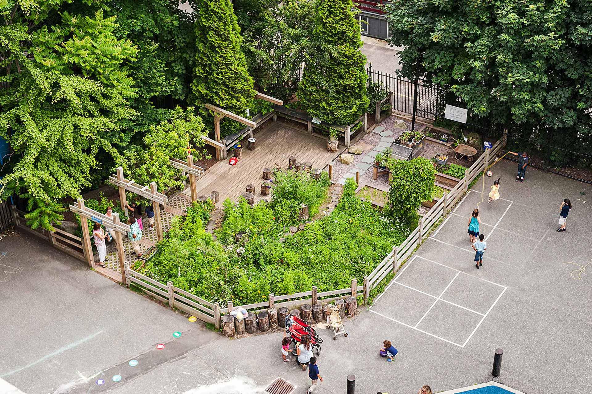 1_Schoolyard-Initiative_Klopfer-Martin-Design-Group_bird's-view_nature-play_outdoor-classroom.jpg