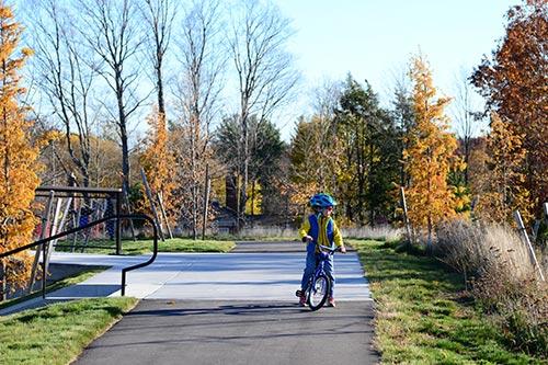 Fisher-Hill-Reservoir-Park_woodland-bike-path_Klopfer-Martin.jpg
