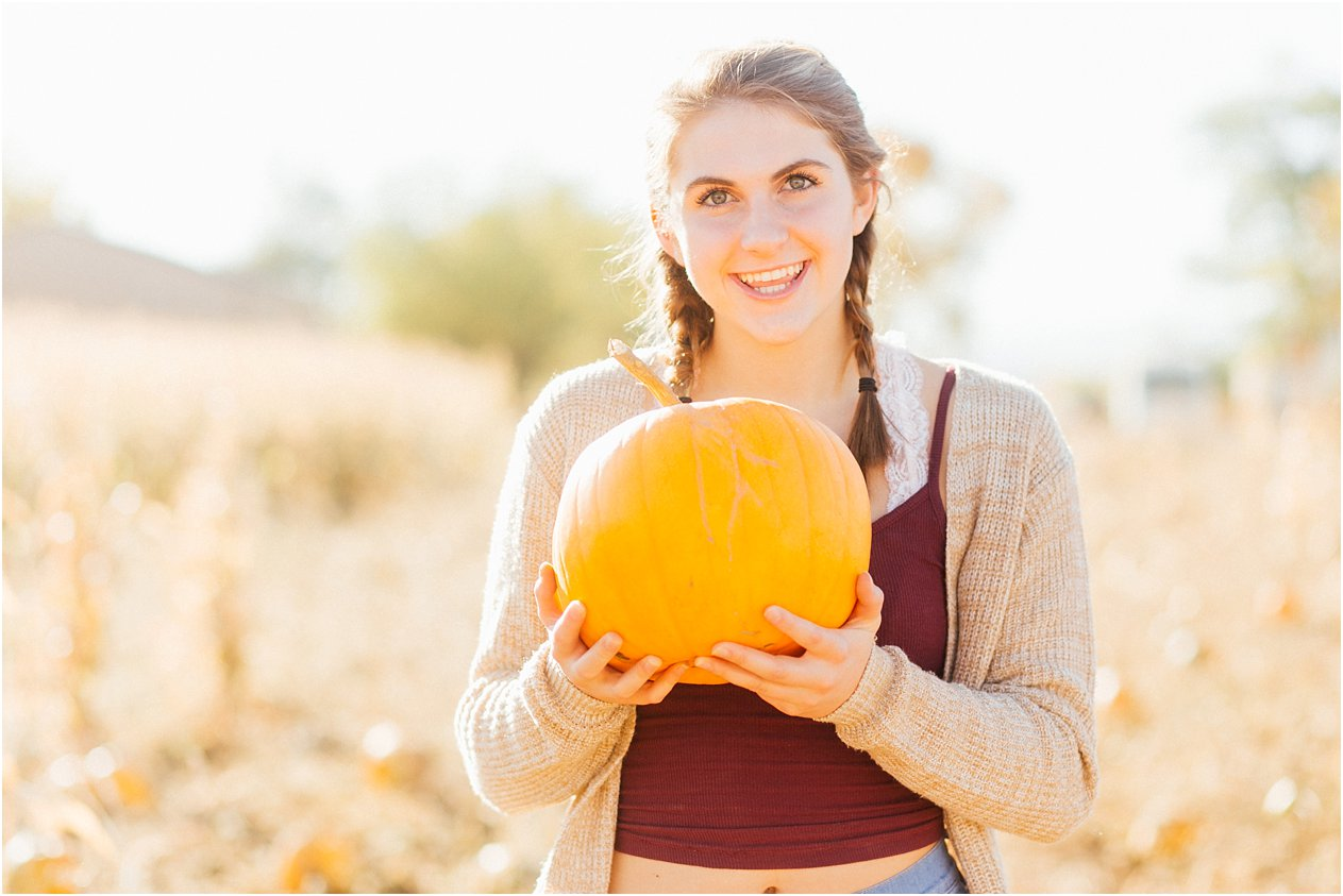 20171011SeniorPumpkinPatch020_web.jpg