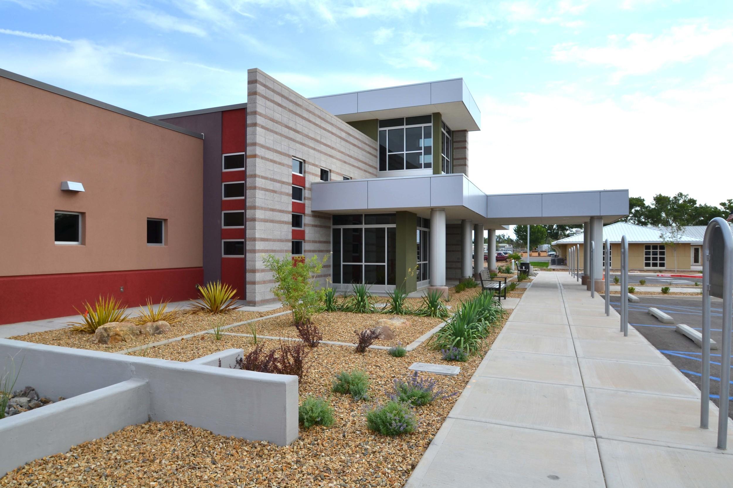 Entry landscape to healthcare building
