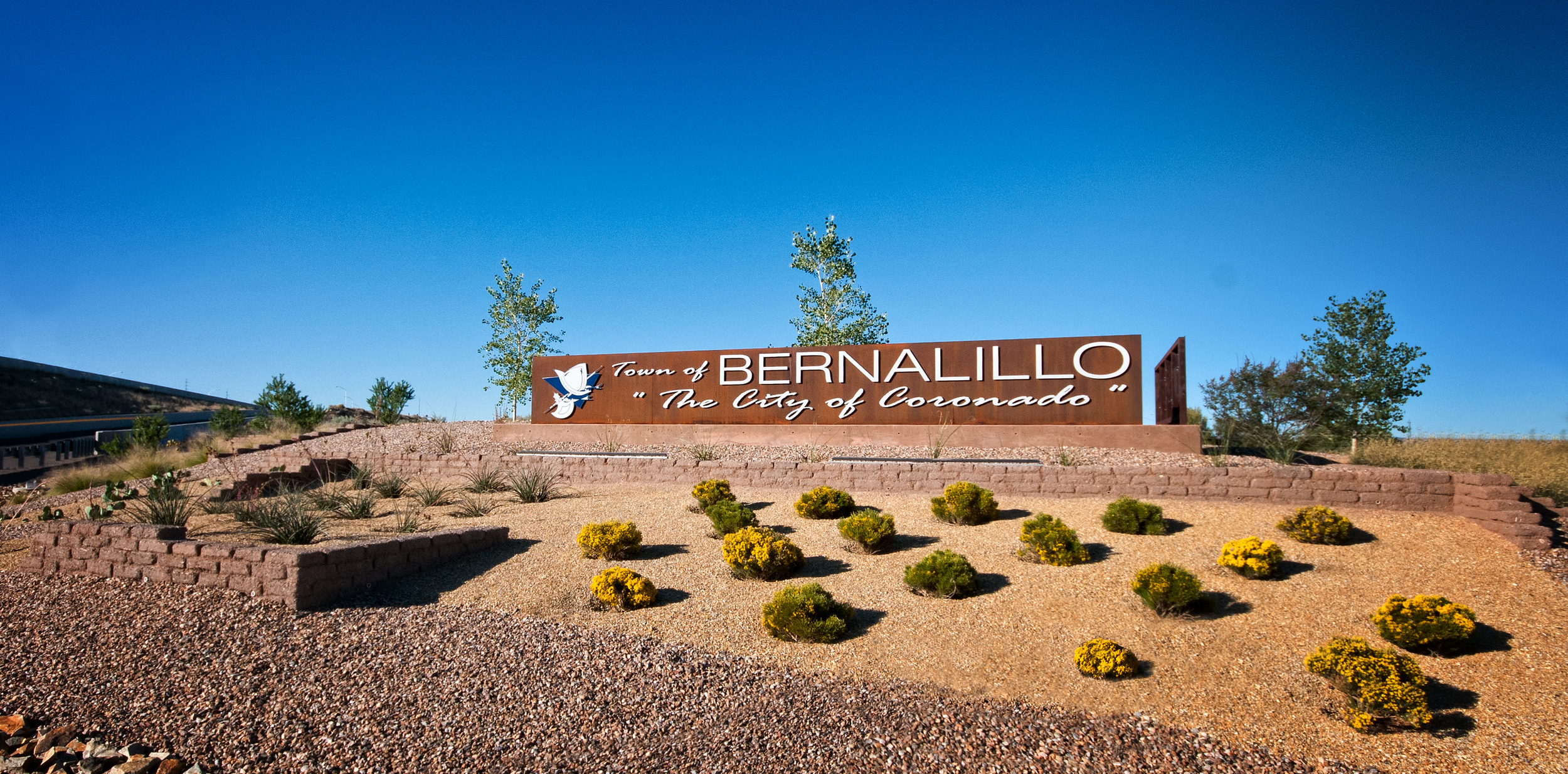 Welcome to Bernalillo signage at highway interchange