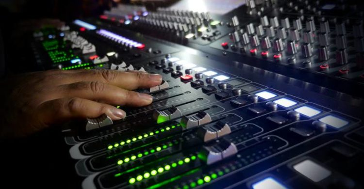 live-audio-mixer-750x390.jpg