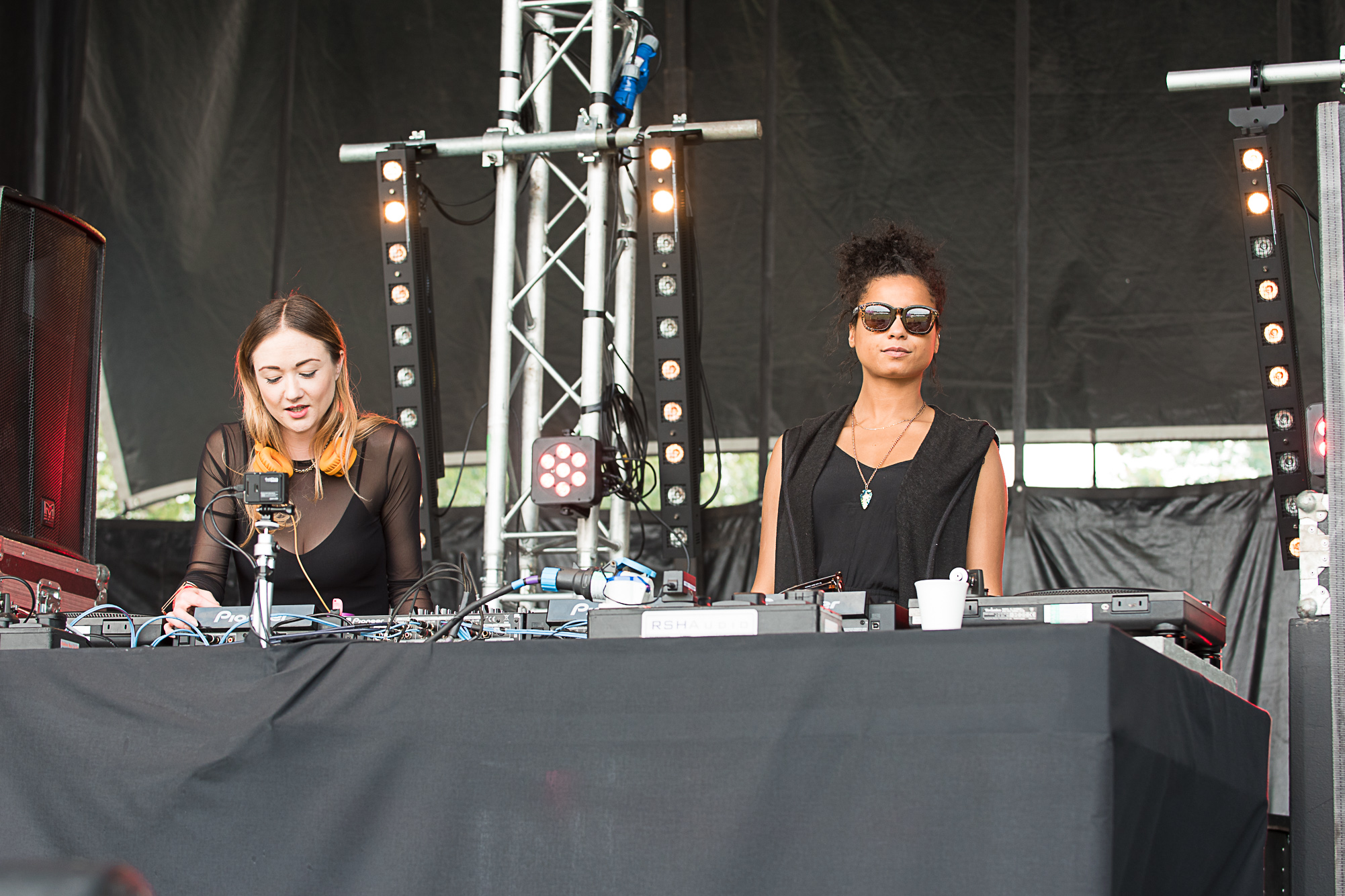 Lily Mercer plays at the Rinse   Born & Bred festival 2016