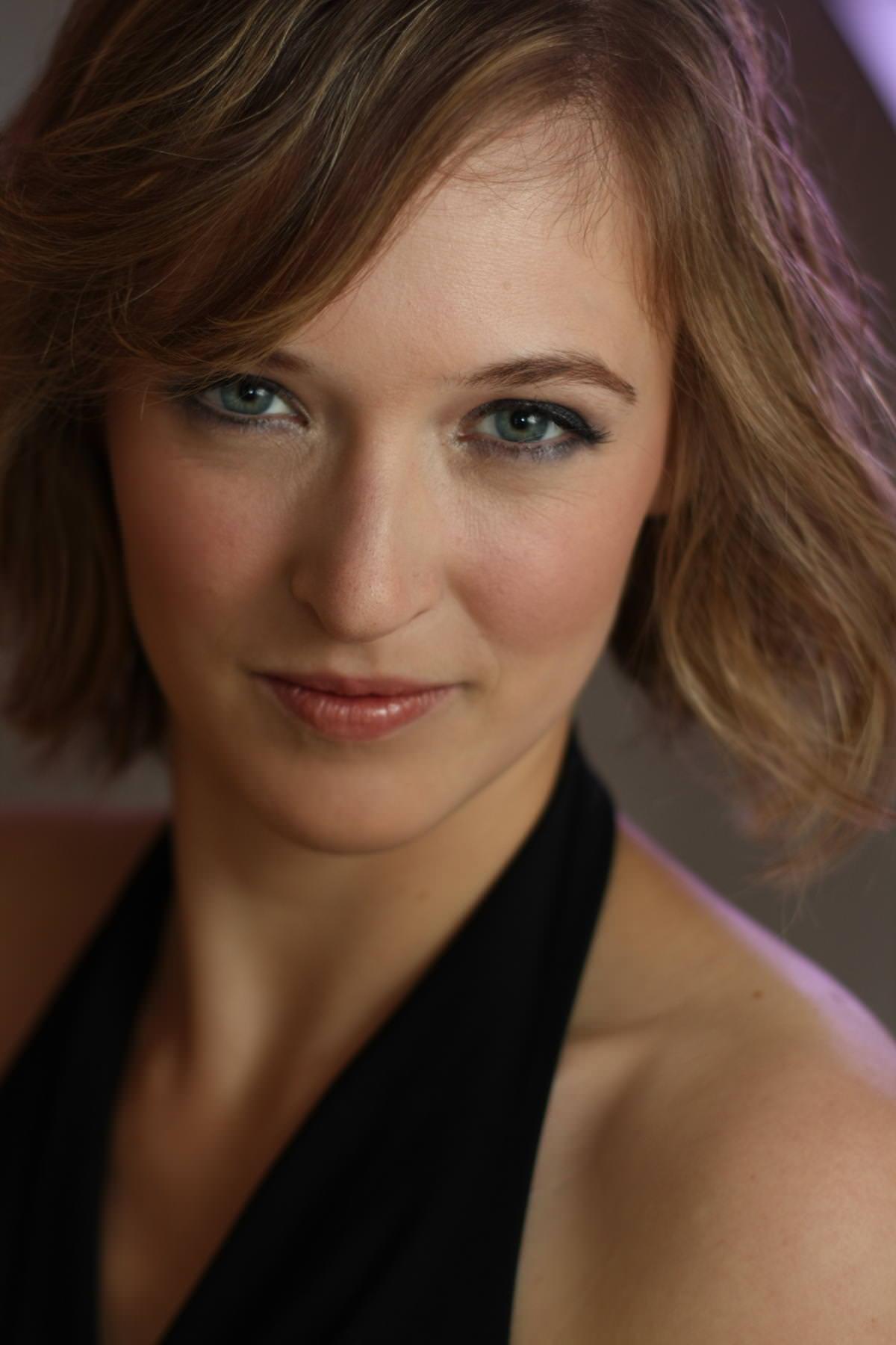 Elizabeth Hobbs