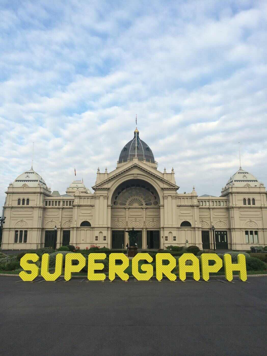 supergraphsign.123057.jpg