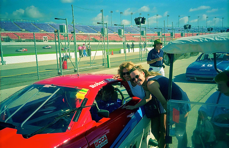1999-08-GT1@DAYTONA-Mom&Stacey_Aperture_preview.jpg