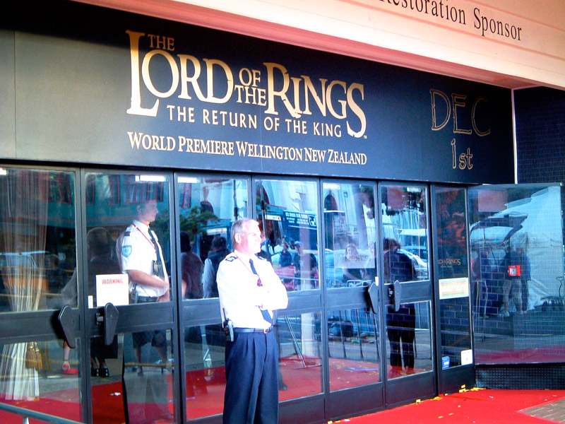 2003-11-LOTR-New Zealand-WellingtonPremier24_Aperture_preview.jpg