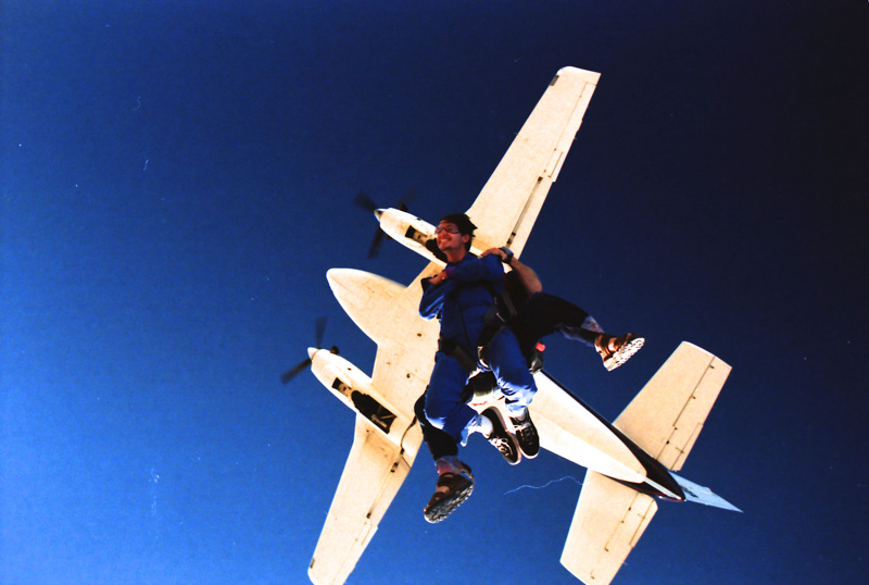 1999??-Skydiving_0009_Aperture_preview.jpg