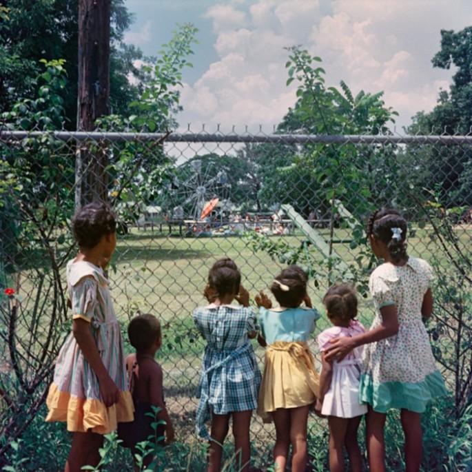 Gordon-Parks-Segregation-Series-3-685x685.jpg