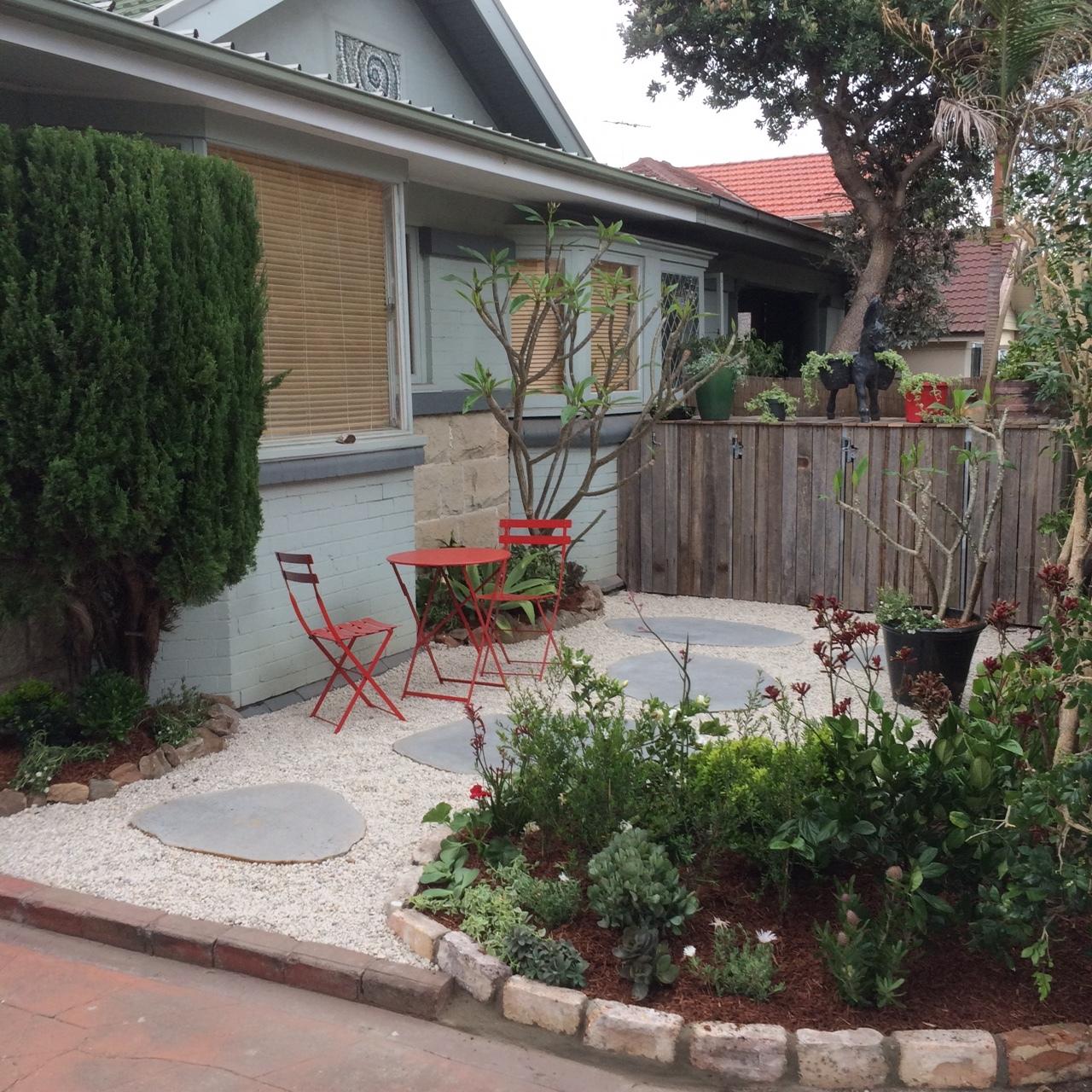 fresh_prince_courtyard3.JPG
