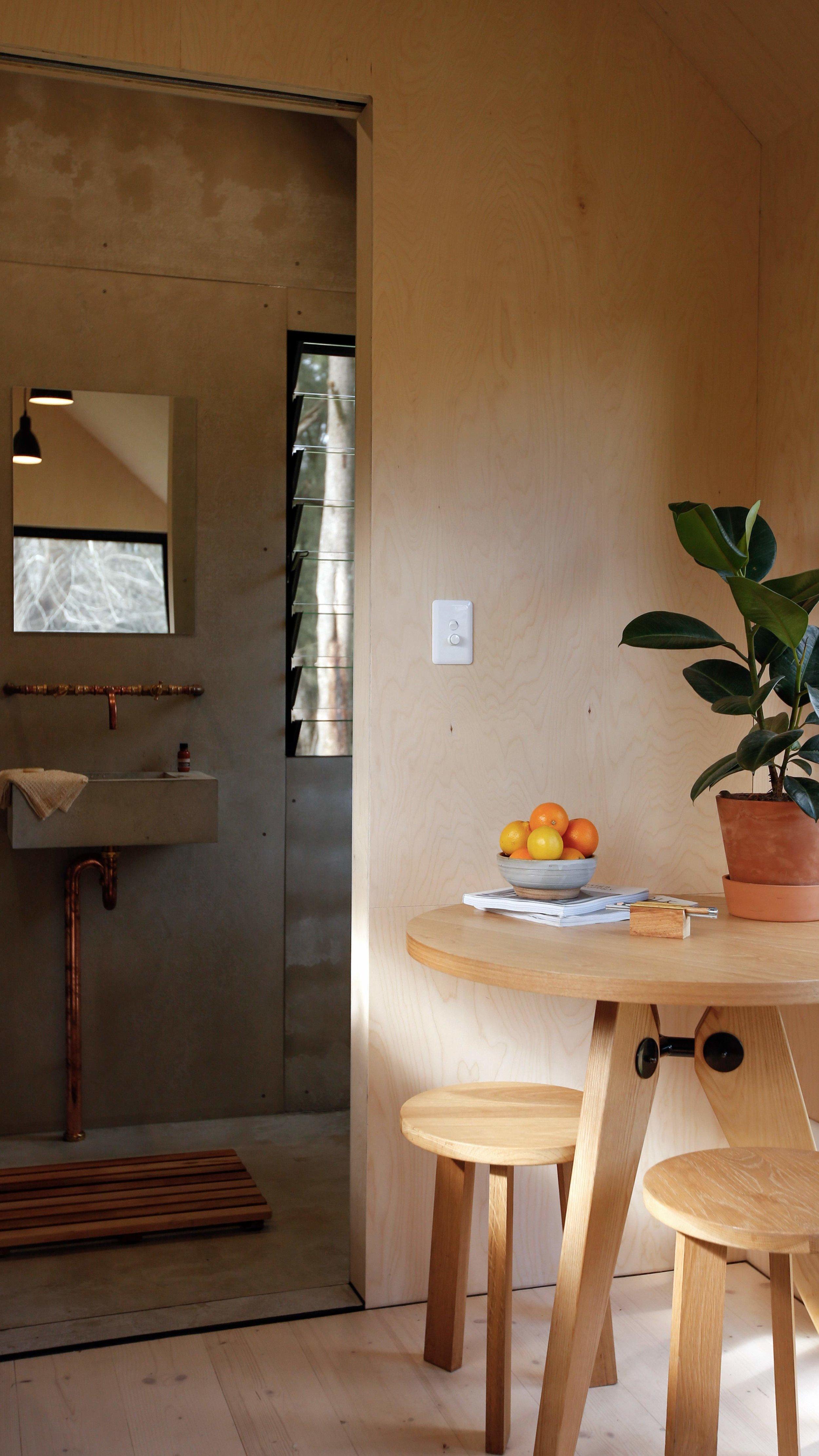 barrington-cabin-fresh-prince6.jpg