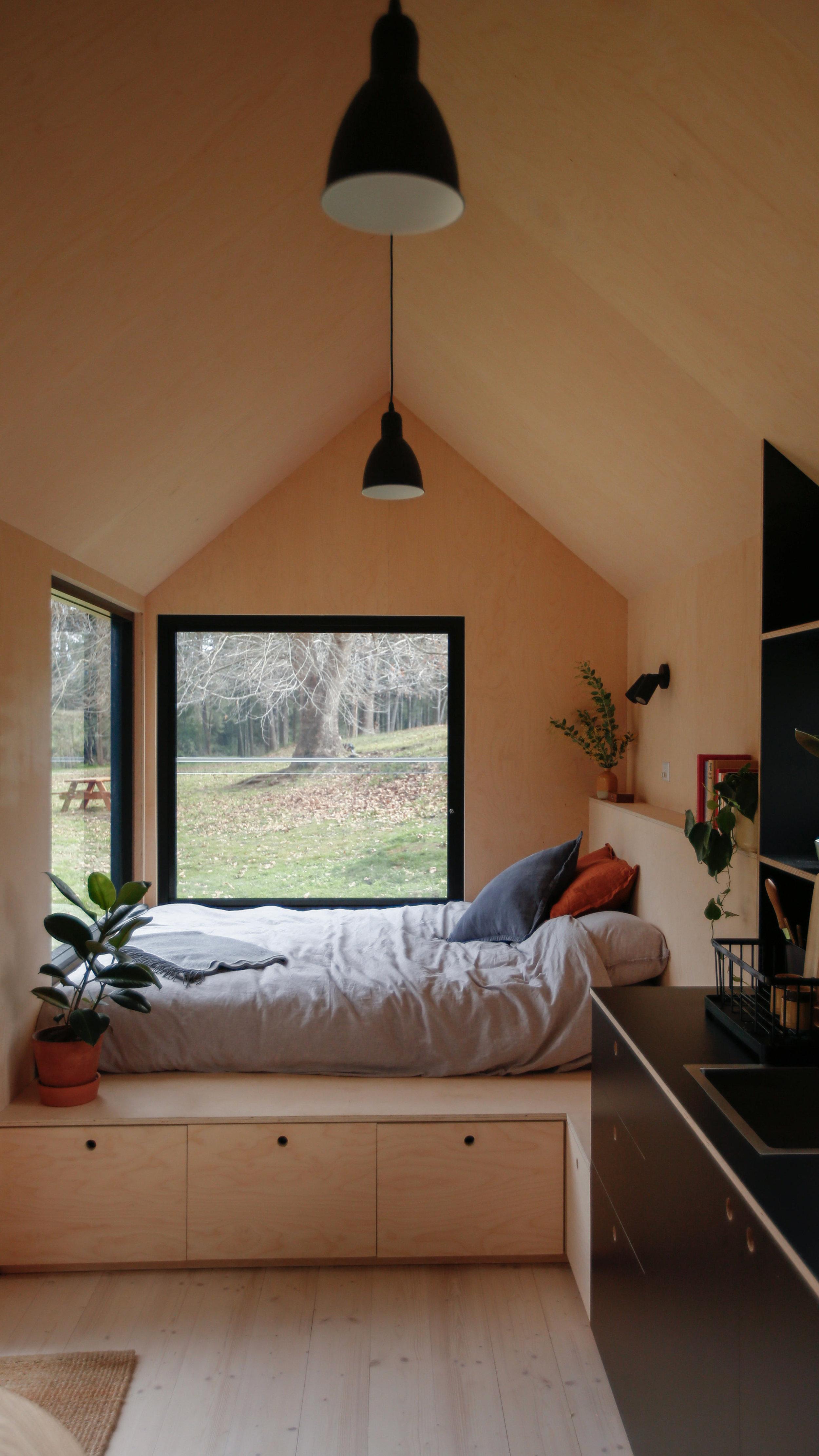 barrington-cabin-fresh-prince9.jpg