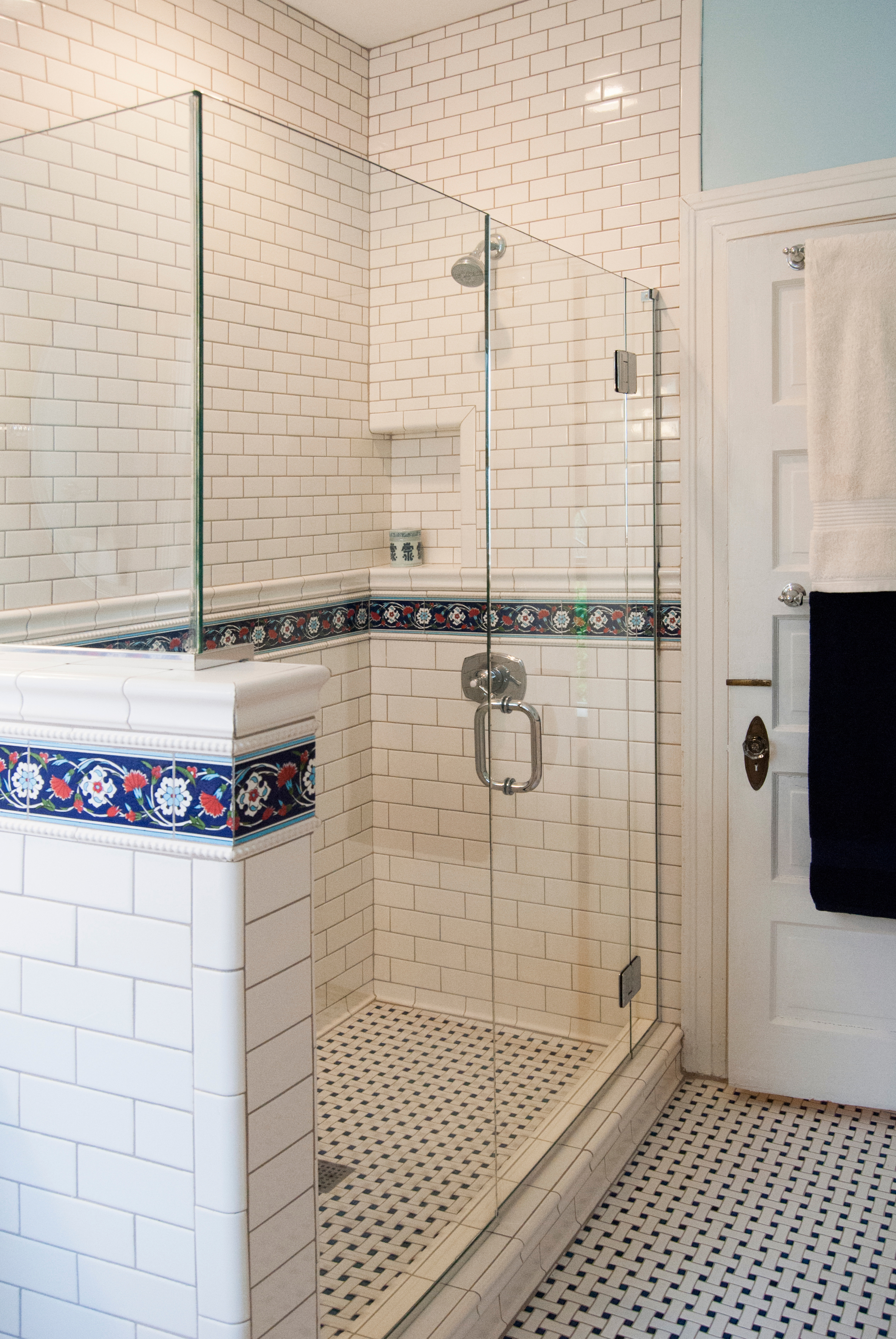 Blue and white shower, turkish tile